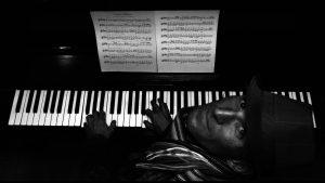 Miky (Michelangelo) Oprandi con una della sua passioni: la musica